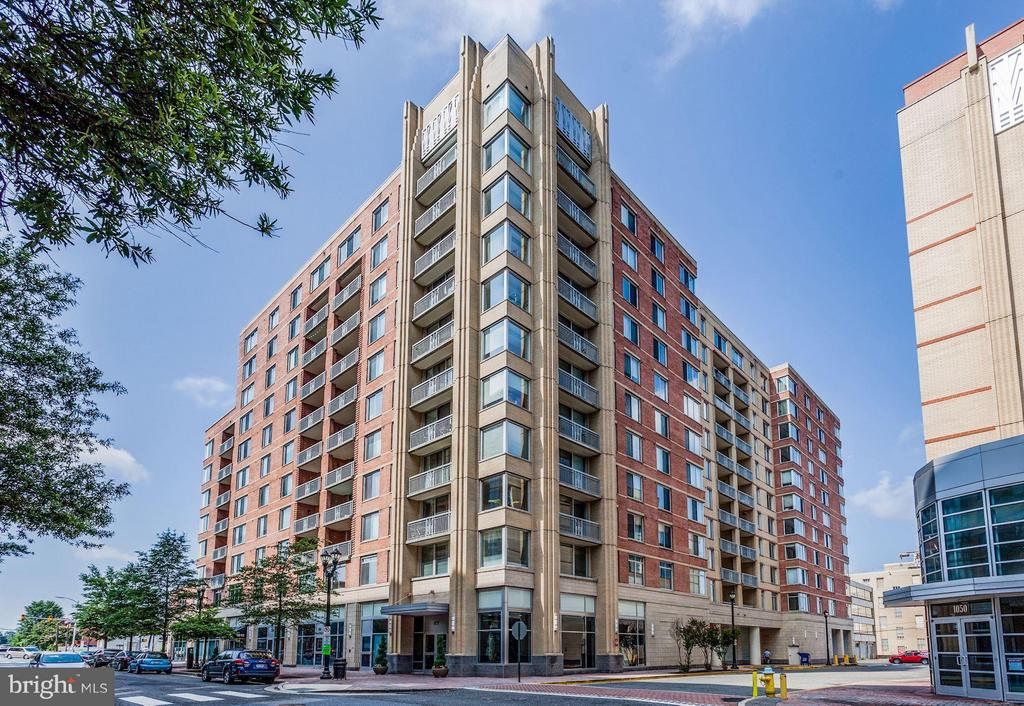 When you live here, you can walk there - 1020 HIGHLAND ST #410, ARLINGTON