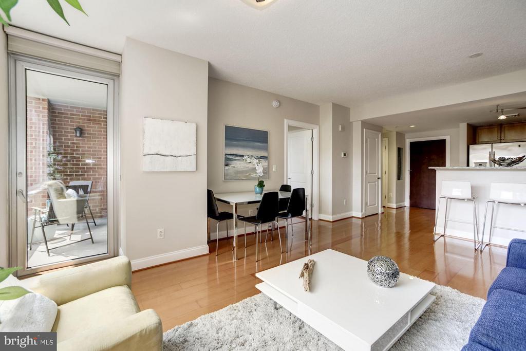Living Room - 1020 HIGHLAND ST #410, ARLINGTON