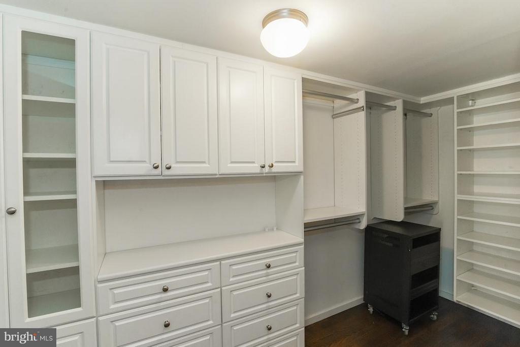 Master Walk In Closet - Upper Level - 1935 12TH ST NW #1, WASHINGTON