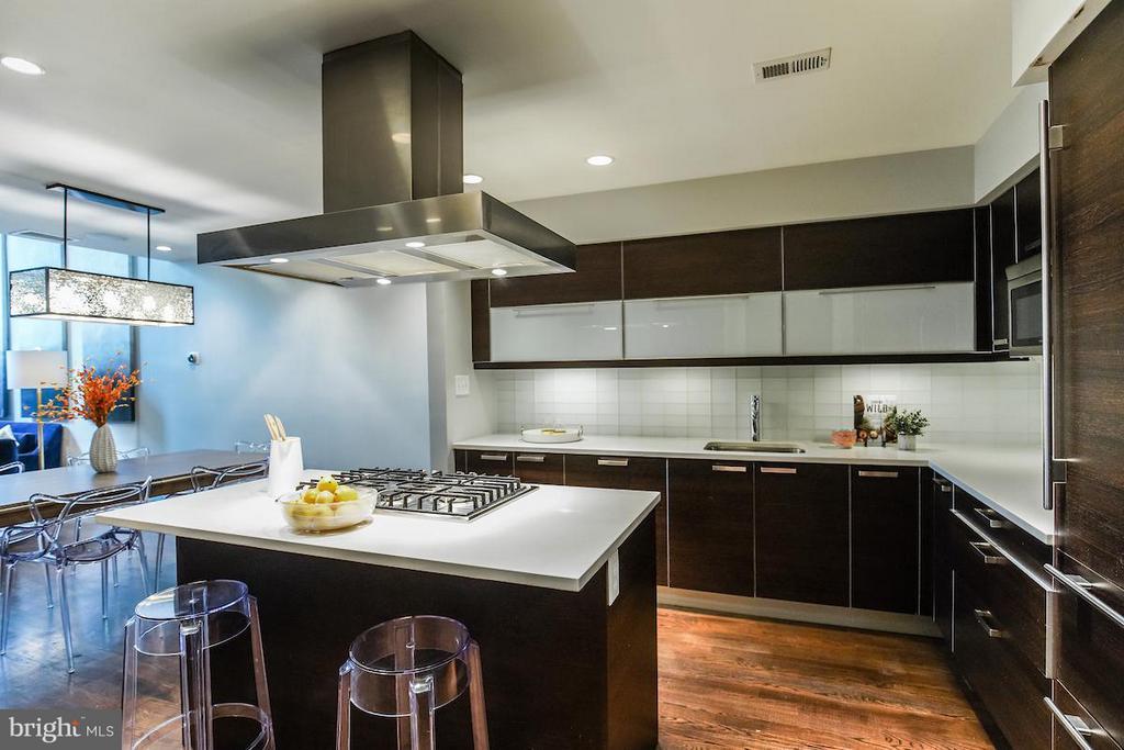 Gourmet Kitchen with Luxury Appliances - 1935 12TH ST NW #1, WASHINGTON