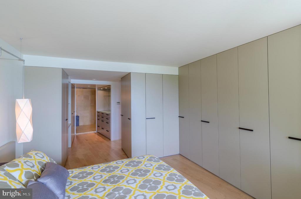 Bedroom (Master) - 700 NEW HAMPSHIRE AVE NW #107, WASHINGTON
