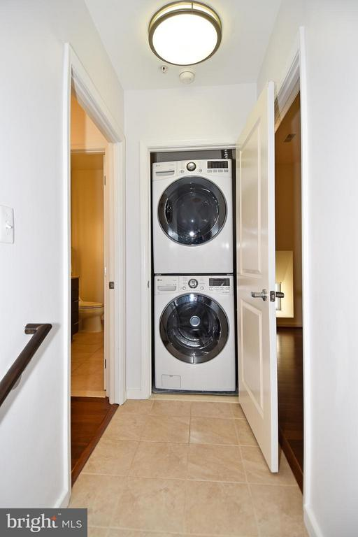 LG stackable full-size washer/dryer - 6500 AMERICA BLVD #204, HYATTSVILLE