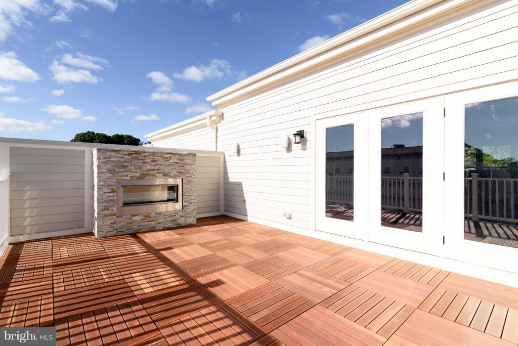 Roof Terrace W/ Gas Fireplace - 11687 SUNRISE SQUARE PL #12, RESTON