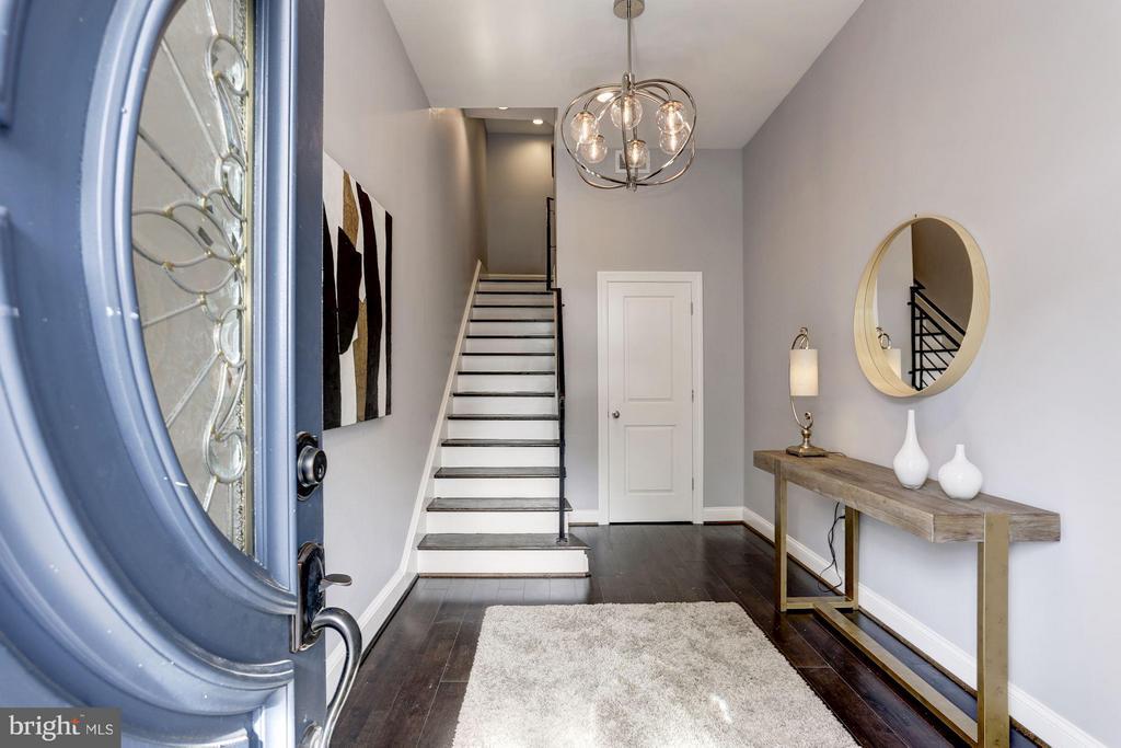 Entry Foyer - 1901 3RD ST NW #2, WASHINGTON