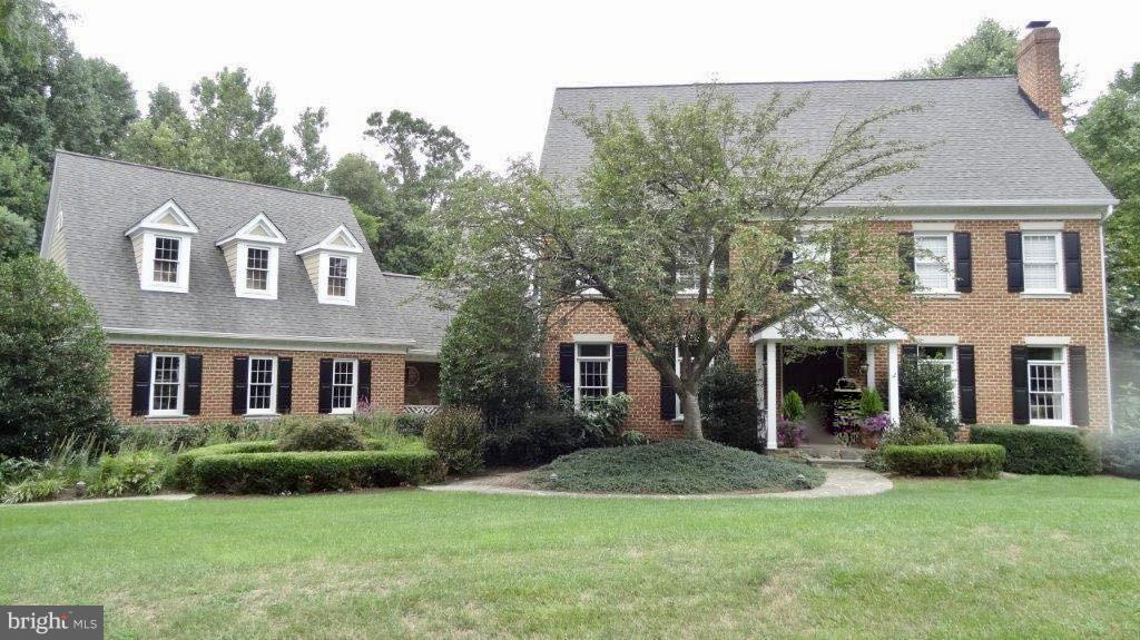 Other Residential for Rent at 850 Trotting Ct Great Falls, Virginia 22066 United States