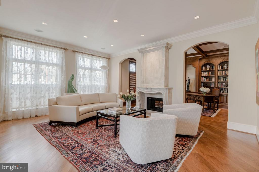Living Room - 7515 EXETER RD, BETHESDA
