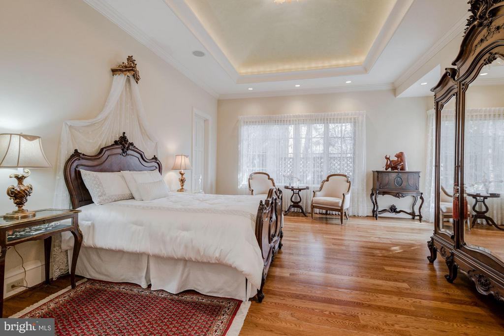Main Level Master Bedroom - 7515 EXETER RD, BETHESDA