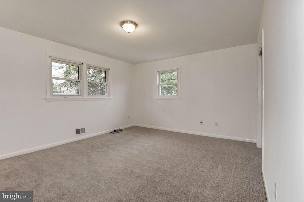 Bedroom (Master) - 2217S OAKLAND ST S, ARLINGTON