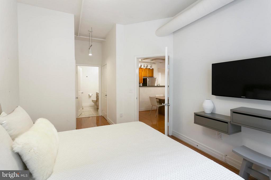 Bedroom (Master) - 1201 GARFIELD ST N #208, ARLINGTON