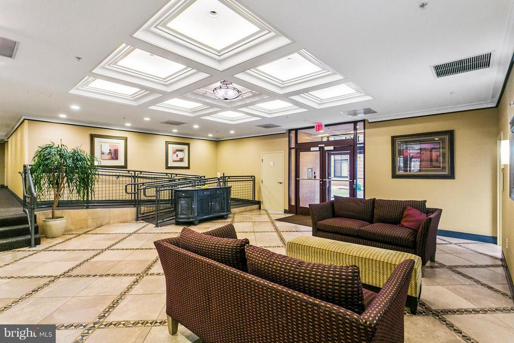 Lobby - 1201 GARFIELD ST N #208, ARLINGTON