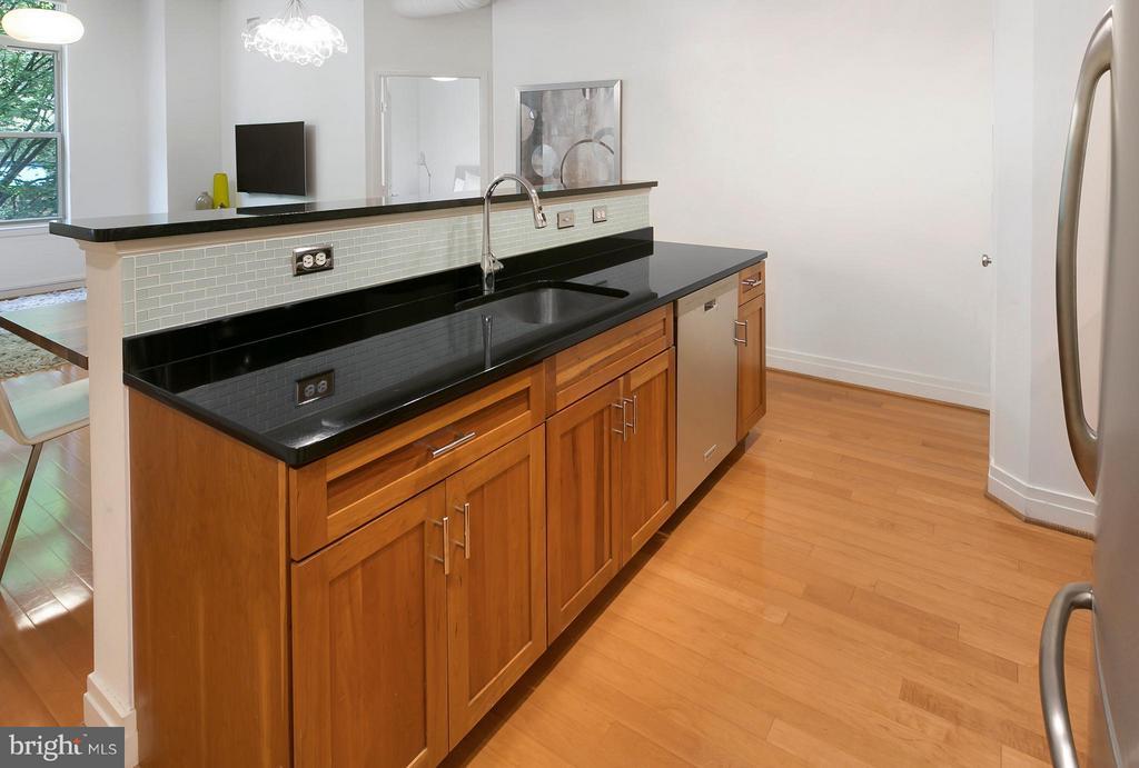Kitchen - 1201 GARFIELD ST N #208, ARLINGTON