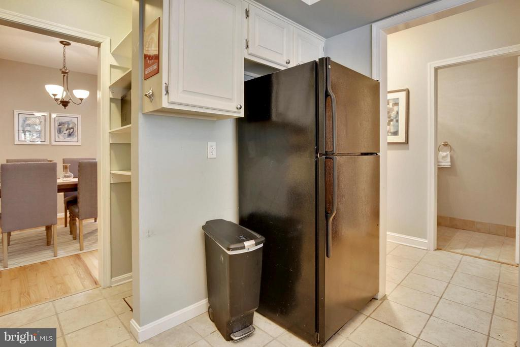Kitchen - 1004 13TH ST SE, WASHINGTON