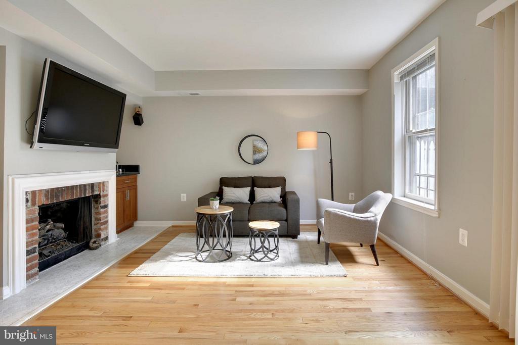 Living Room - 1004 13TH ST SE, WASHINGTON