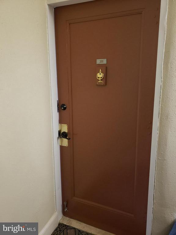 entrance - 1822 15TH ST NW #201, WASHINGTON