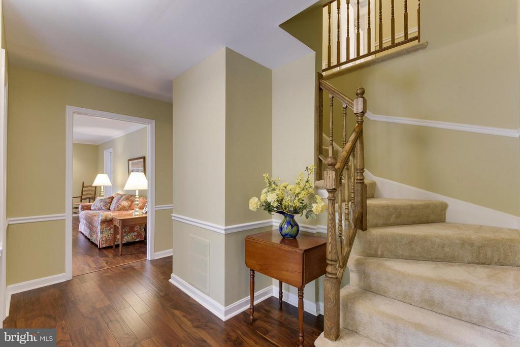 Welcoming Foyer with new hardwoods and fresh paint - 2903 BREE HILL RD, OAKTON