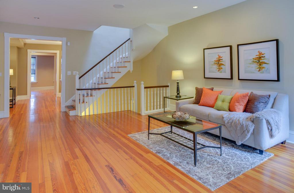 Upper Floor Apt Living Room - 1731 RIGGS PL NW, WASHINGTON