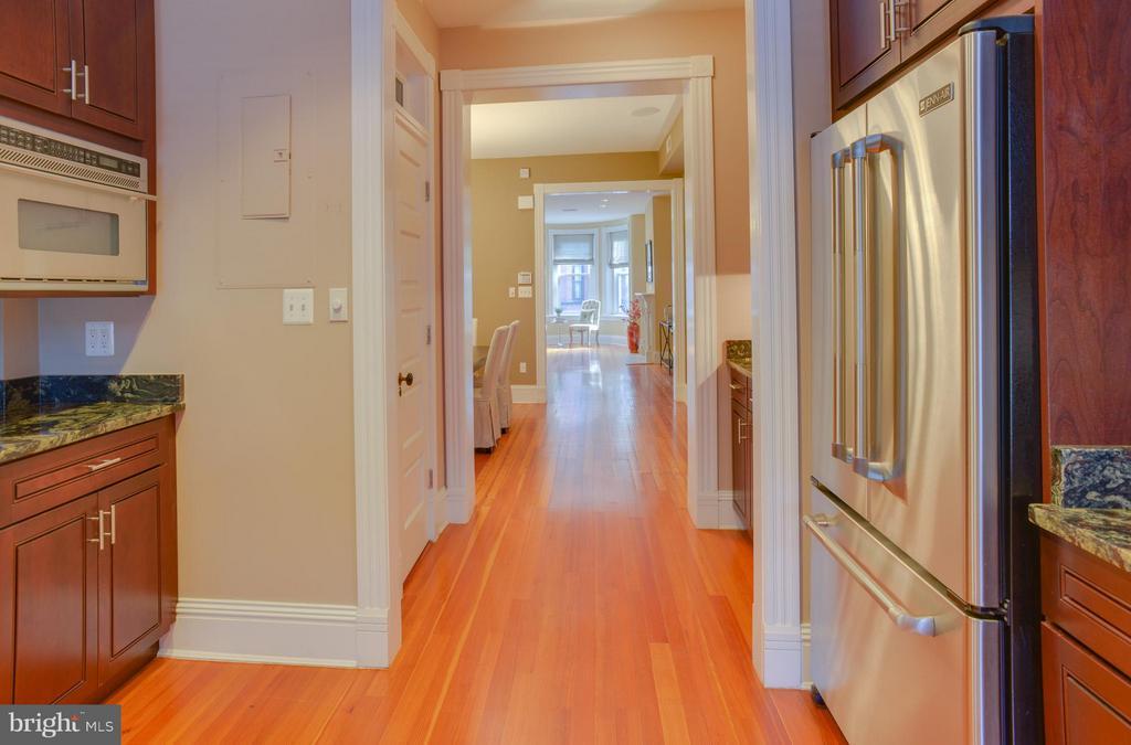 Owner's Unit Kitchen - 1731 RIGGS PL NW, WASHINGTON