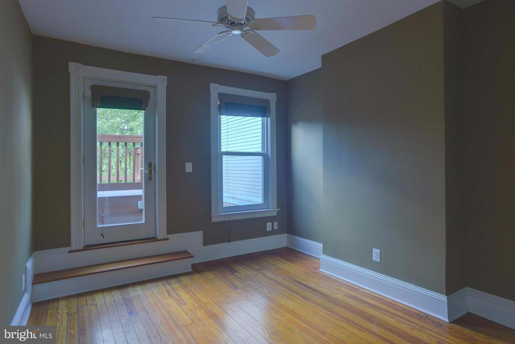 Upper Floor Apt 2nd Bedroom - 1731 RIGGS PL NW, WASHINGTON