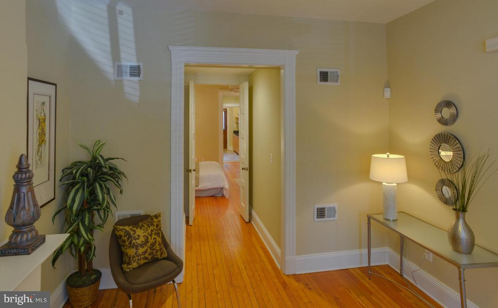 Main Level Apt Interior (General) - 1731 RIGGS PL NW, WASHINGTON
