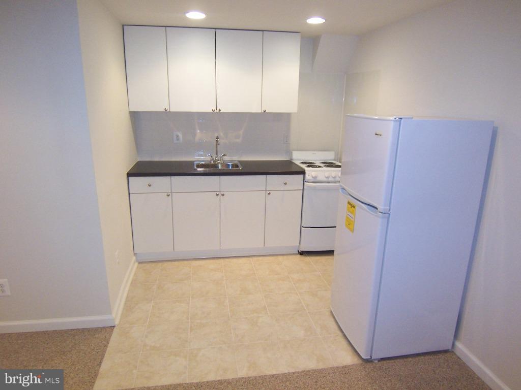 Kitchen - 6816 JEROME ST, SPRINGFIELD