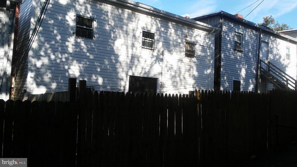 Exterior (Rear) - 1235 HOLBROOK TER NE, WASHINGTON
