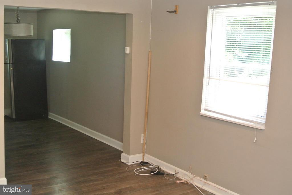 Living Room - 4512 EDSON PL NE, WASHINGTON