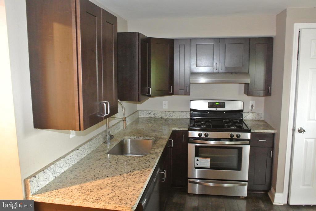 Kitchen - 4512 EDSON PL NE, WASHINGTON