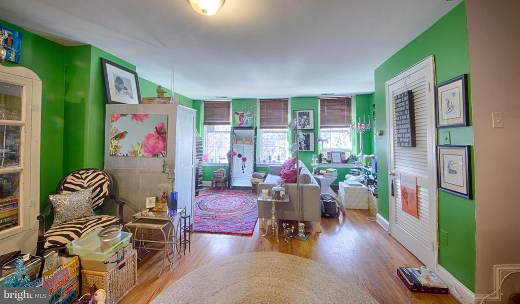Living Room - 216 4TH ST SE, WASHINGTON