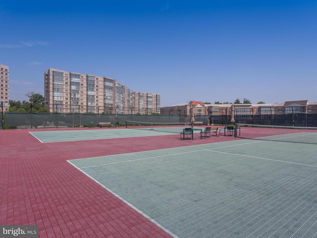 Tennis Anyone? - 19355 CYPRESS RIDGE TER #601, LEESBURG