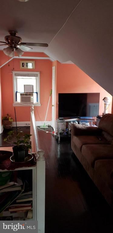 Hall (Second Floor) - 6301 LANDOVER RD, CHEVERLY