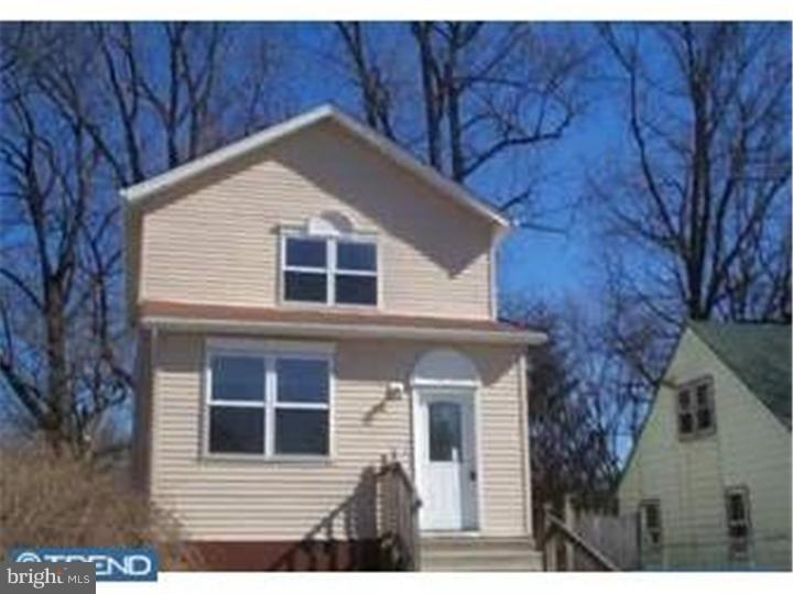 Single Family Homes pour l à louer à Woodbury, New Jersey 08096 États-Unis