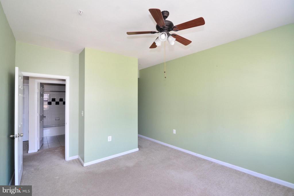 Bedroom (Master) - 11373 ARISTOTLE DR #9-305, FAIRFAX