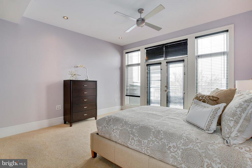 Bedroom (Master) - 1433 R ST NW #4, WASHINGTON