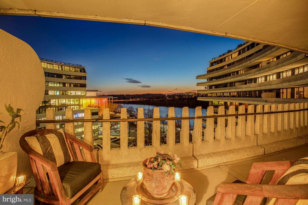Sweeping Views of the Potomac and Kennedy Center - 700 NEW HAMPSHIRE AVE NW #1021, WASHINGTON