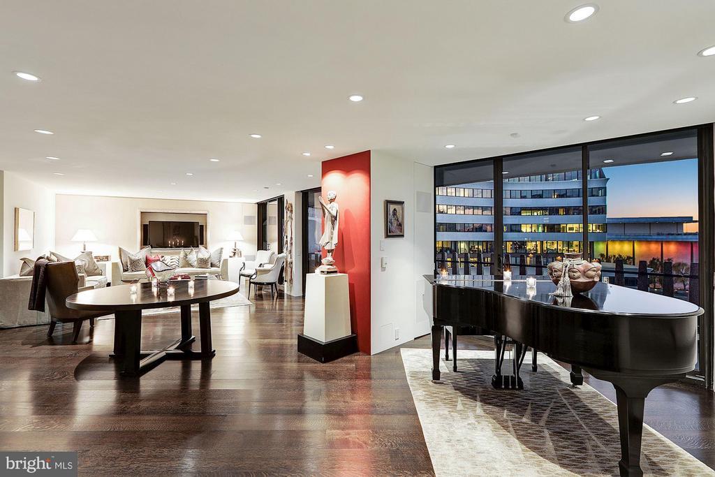 Main Living Space - 700 NEW HAMPSHIRE AVE NW #1021, WASHINGTON