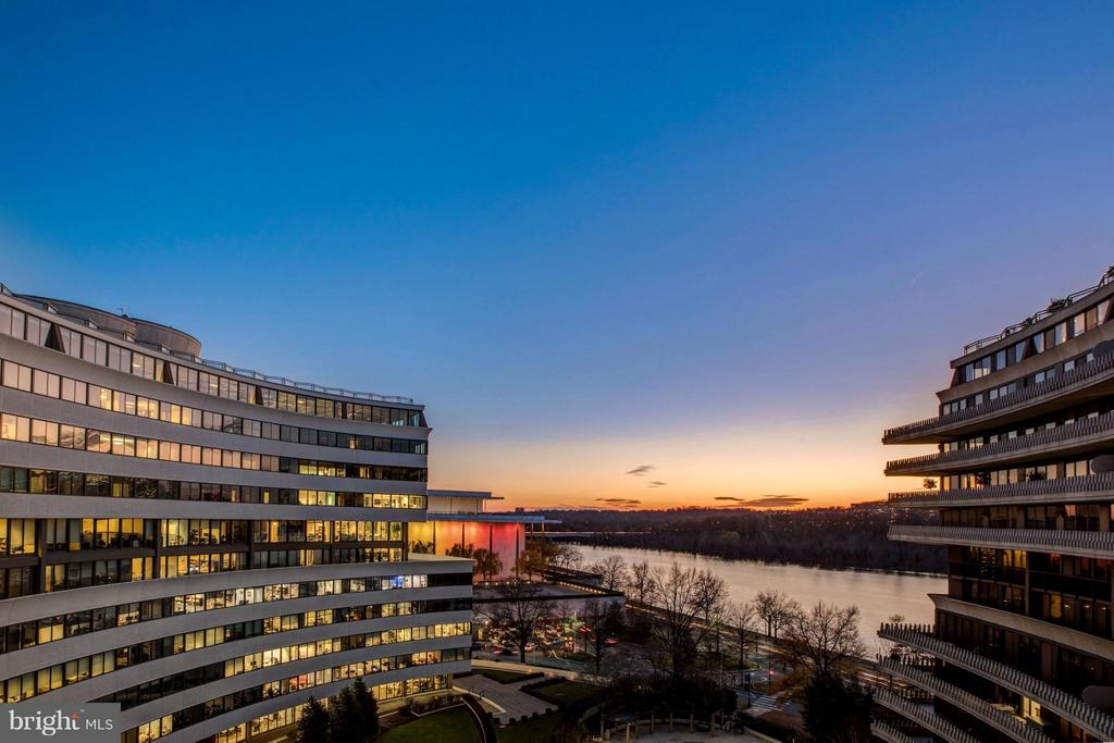 Stunning View of the Kennedy Center and Potomac - 700 NEW HAMPSHIRE AVE NW #1021, WASHINGTON