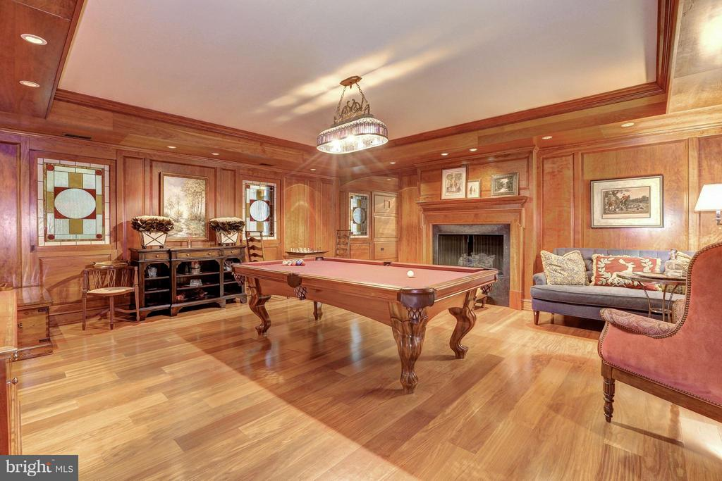 Cherry Paneled Game Room - 1607 28TH ST NW, WASHINGTON