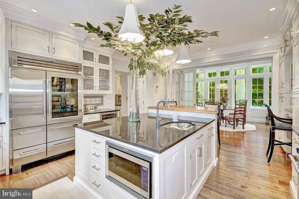 Gourmet Kitchen - 1607 28TH ST NW, WASHINGTON