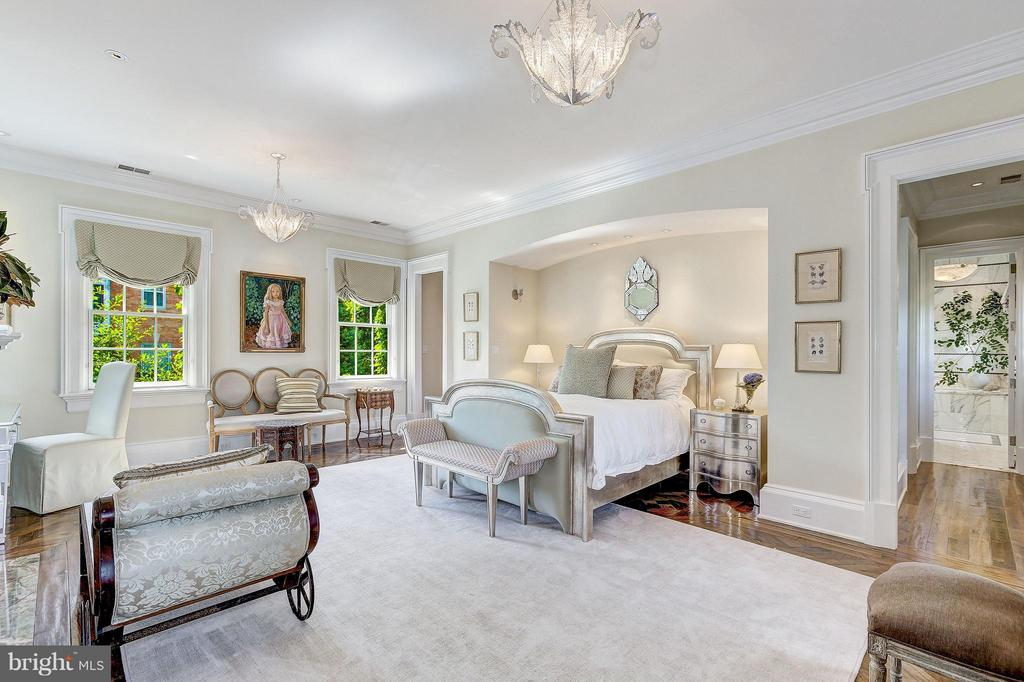 Master Suite - 1607 28TH ST NW, WASHINGTON