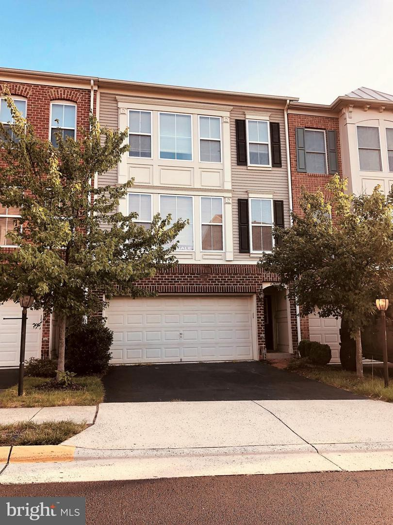 Other Residential for Rent at 42480 Regal Wood Dr Ashburn, Virginia 20148 United States