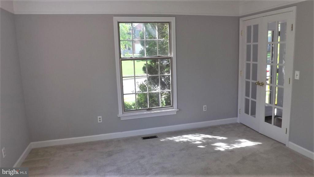 Living Room - 9 BURNS RD, STAFFORD