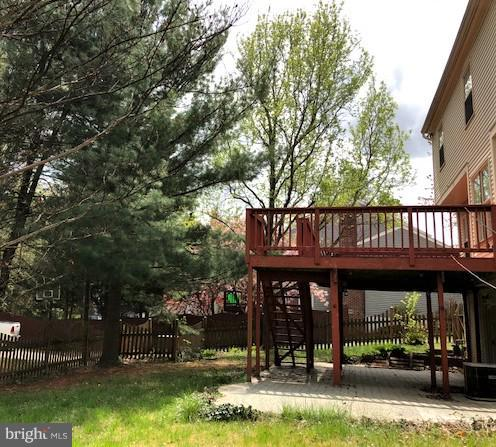 Exterior Yard with Deck - 9 BURNS RD, STAFFORD