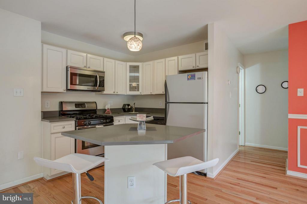 Kitchen - 7843 ENOLA ST #112, MCLEAN