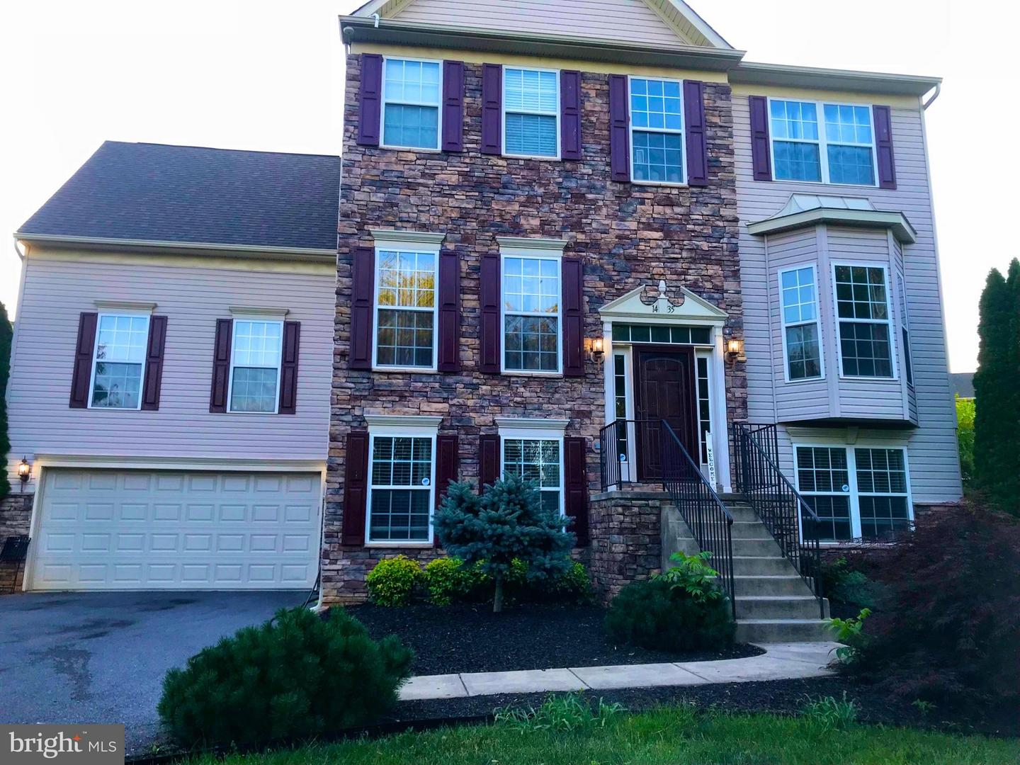Single Family for Sale at 1435 Henshaw Rd Inwood, West Virginia 25428 United States