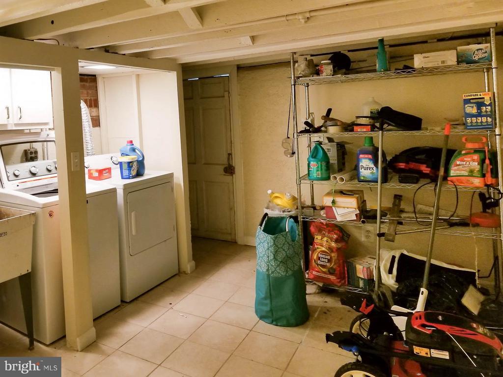 Basement With Laundry Area - 3008 16TH ST NE, WASHINGTON