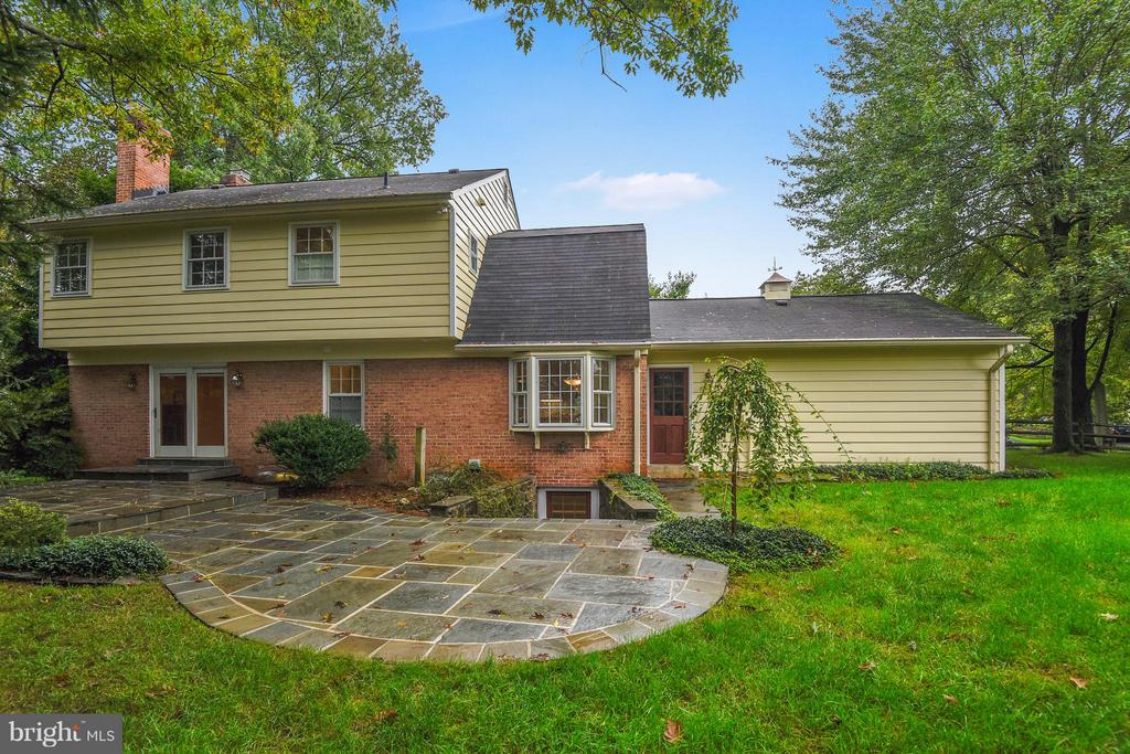 Two tiered Slate Patio - 4601 FLOWER VALLEY DR, ROCKVILLE