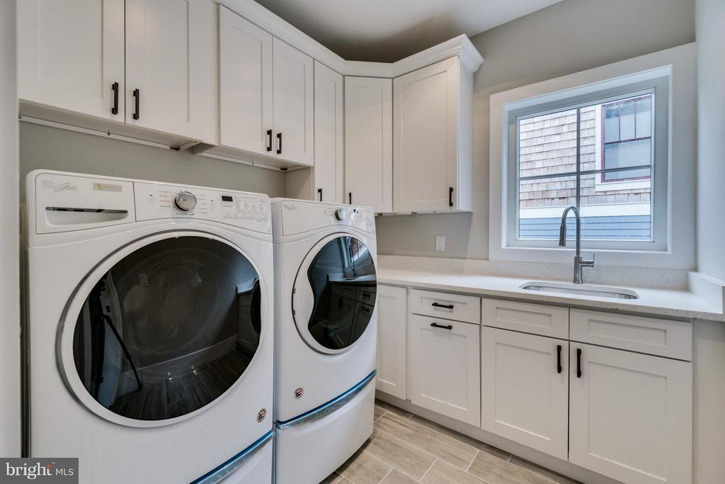 Laundry Room on Master Bedroom Level - 2146 POLLARD ST N, ARLINGTON