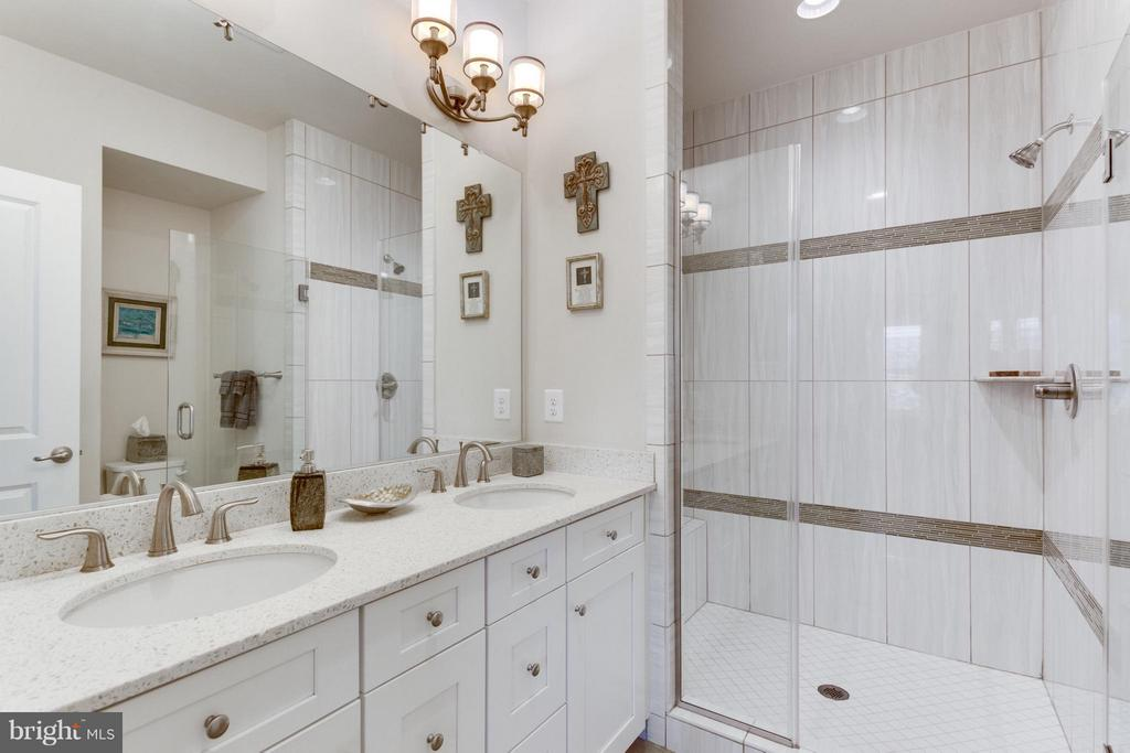 Master Bath w Double Vanities and Frameless Shower - 1137 MONROE ST S, ARLINGTON