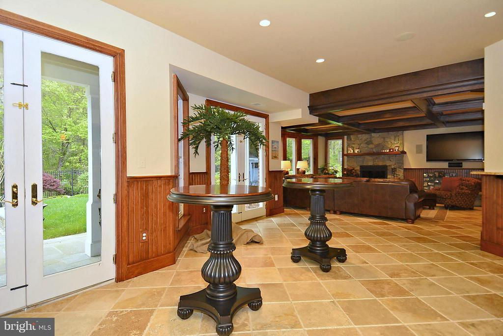 Basement w/ Full Wet Bar, Access to Pool, Grounds - 1105 LEIGH MILL RD, GREAT FALLS
