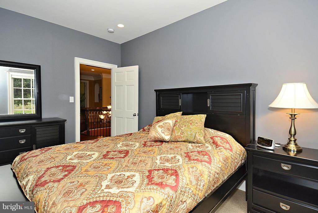 Bedroom - 1105 LEIGH MILL RD, GREAT FALLS